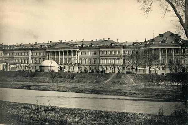 Лефортово, дворец